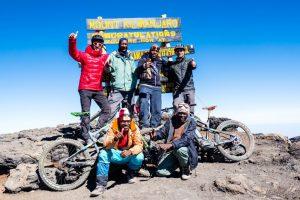 Uhuru Peak - Gipfelteam