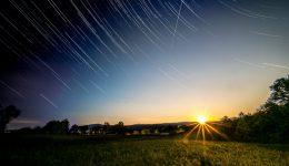 Sonnenuntergang mit Startrails
